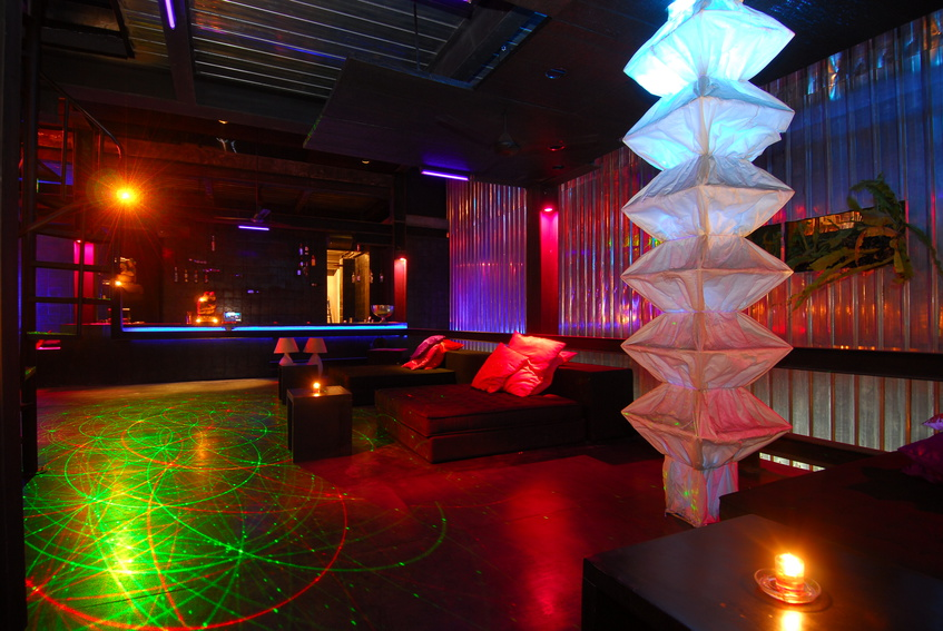 Interior Neon Signs for Clubs, Restaurants & Bars